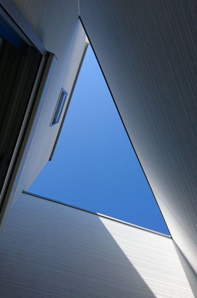 【相生市 注文住宅 34坪】<br>広いバルコニーのある三角形のお家