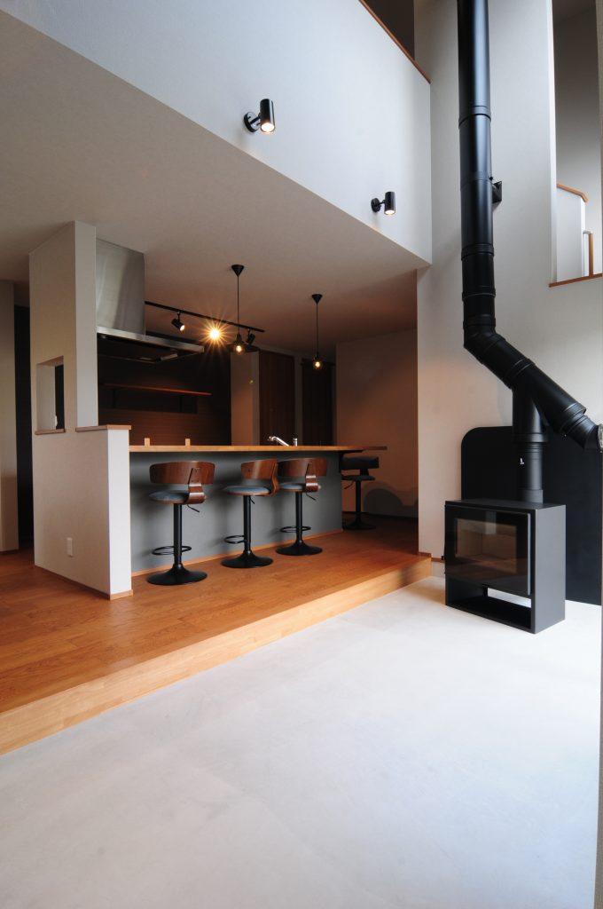 【たつの市 規格住宅 31坪】<br>薪ストーブの心地よいぬくもりに包まれるお家