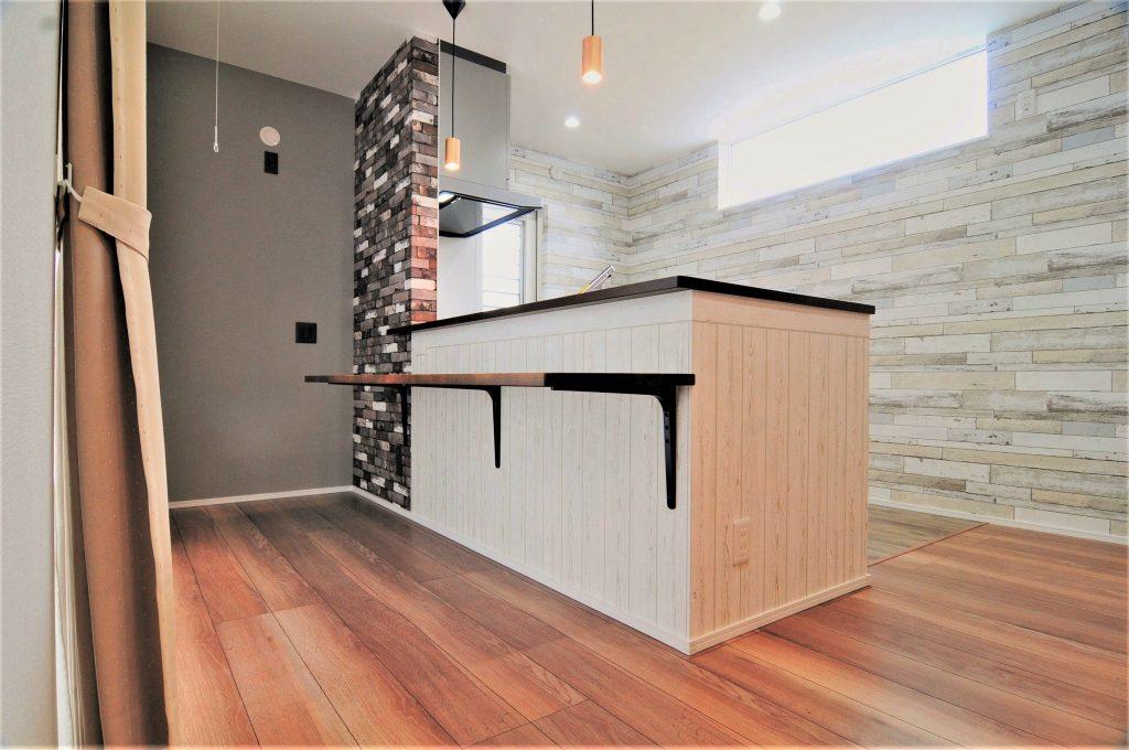 【たつの市 注文住宅 29坪】<br>おしゃれなバーカウンターのあるキッチンが素敵なお家